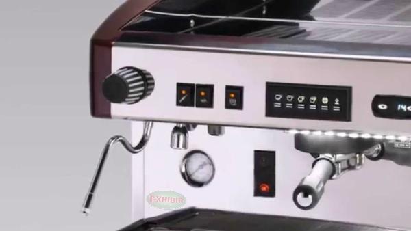 Tablero de controles de la cafetera express Magister stilo L